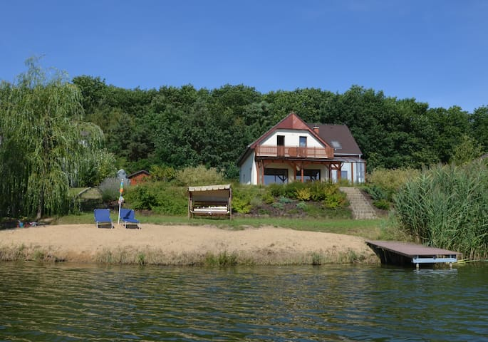 Amazing lake house near Prague - Ovčáry - Dom
