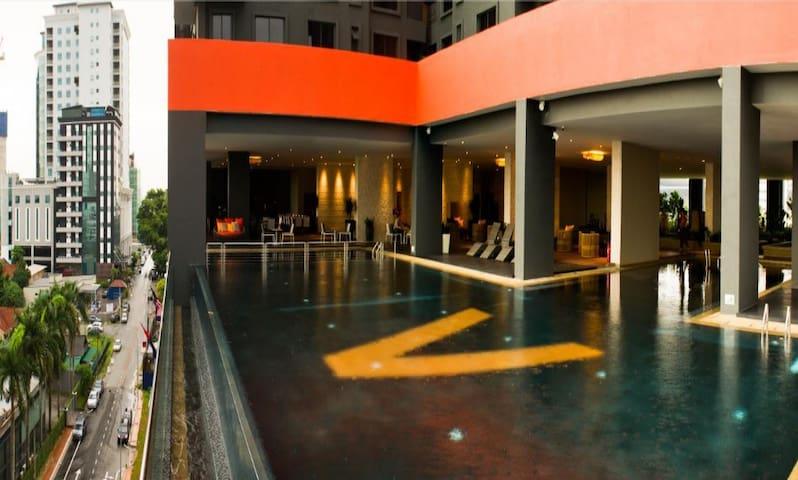 Brand NEW Comfy Private Room: @JB Sentral @CIQ - Johor Bahru - Apartotel