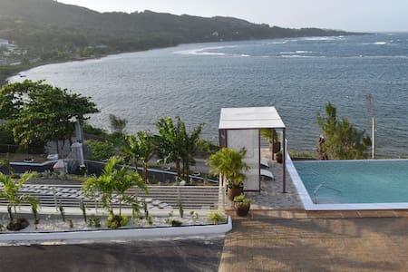 Braata@Little Bay: Mary: Studio with Ocean View