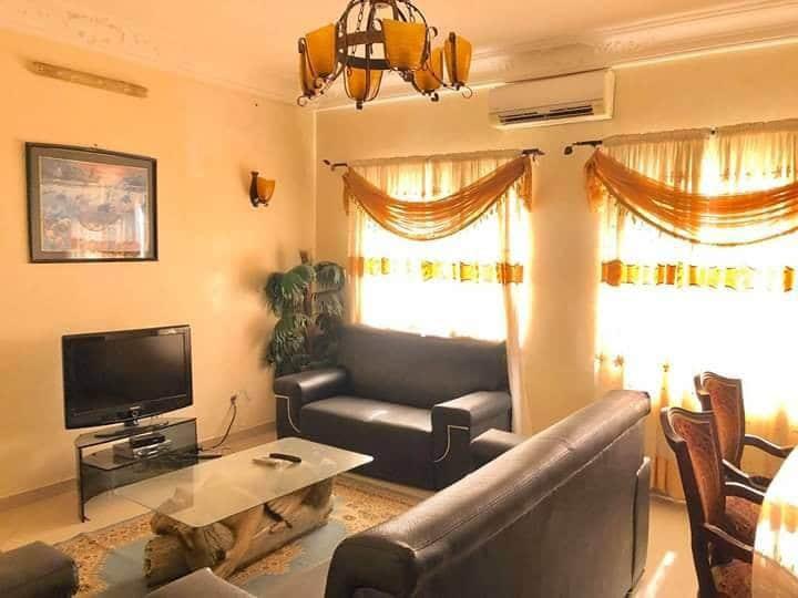 Appartement meublé centre ville gbégamey