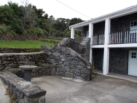 Lower Apartment in Azorean  Cottage