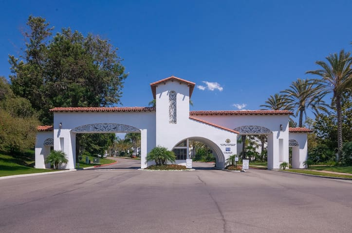 Luxury Condo Behind Gates of La Costa