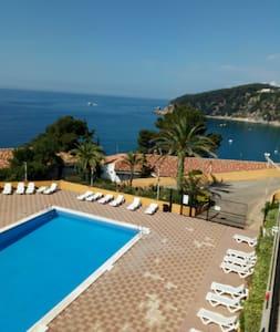 2P studio  Costa Brava&terrace in front of beach.