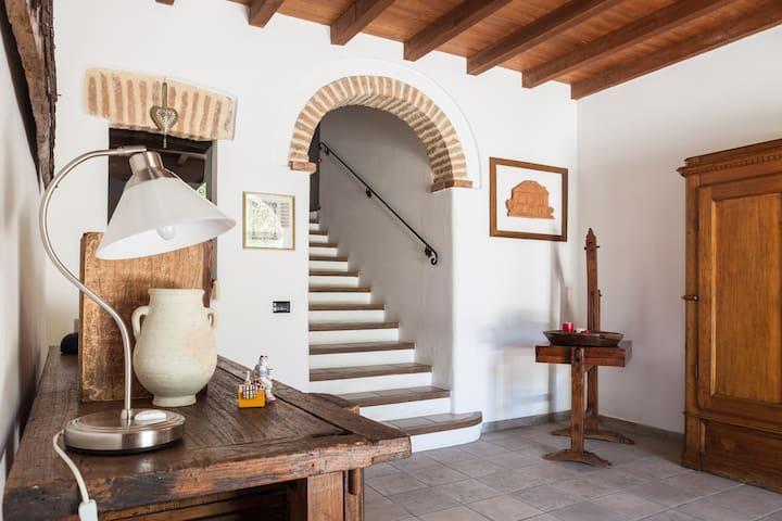 B&B CASA SASSOLO 1713 - Monte San Pietro - ที่พักพร้อมอาหารเช้า