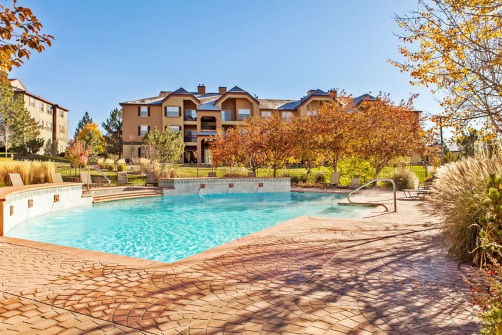 Luxury Apartment W Hot Tub Pool Apartments For Rent In Colorado Springs Colorado United