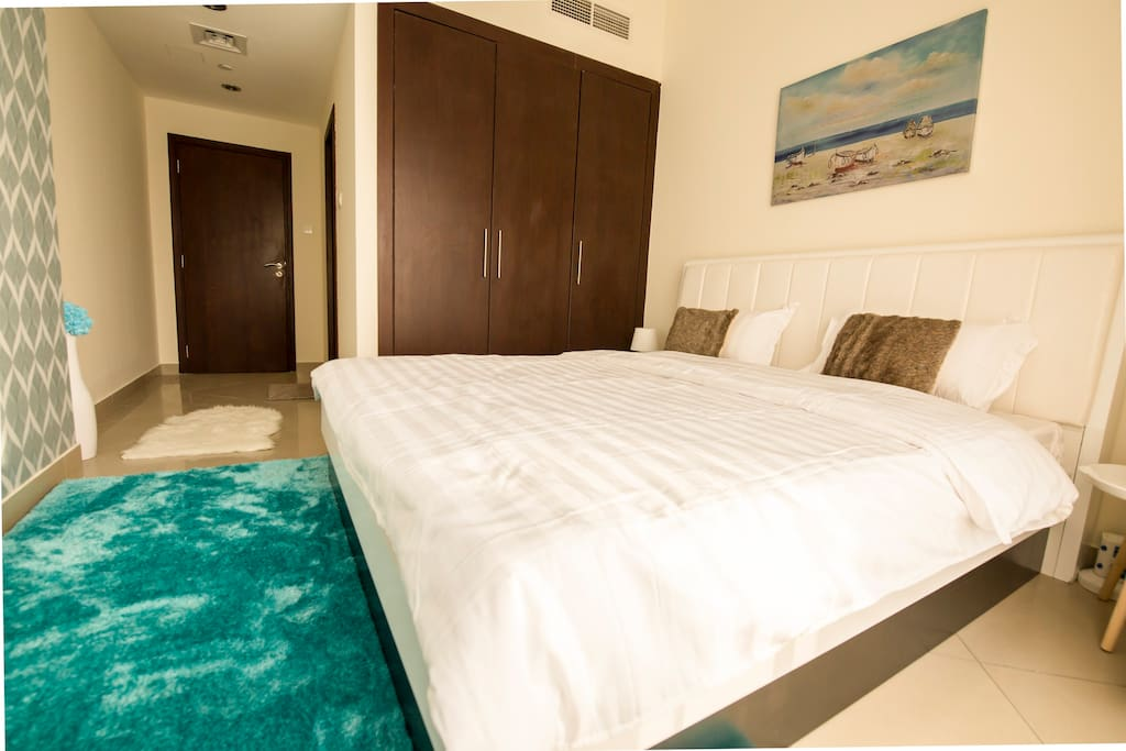 Relax in the comfortable second bed room. King bed (sleeps 2).