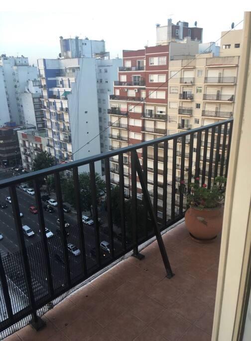 Balcón corrido vista a avenida Colón