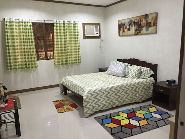 A cozy rest and recreation place within a mango orchard environment. Ideal for families, the area is more than 4,000 square meters and located in a 1.2 hectare Mango Orchard farm.