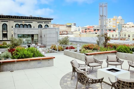 Modern 2Bed in Heart of Nob Hill