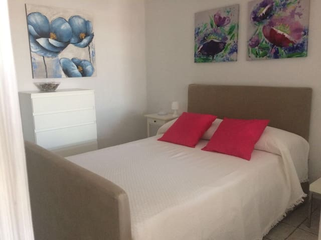 Cozy apartment in Pto.Carmen. Enjoy peace and relx