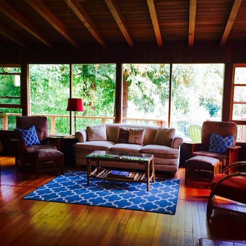 Beautiful Home on the Russian River, Sonoma County - Guerneville