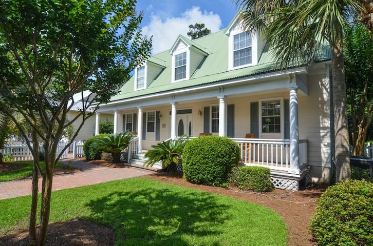 Crystal Lake Cottage - Sandestin with Golf Cart!