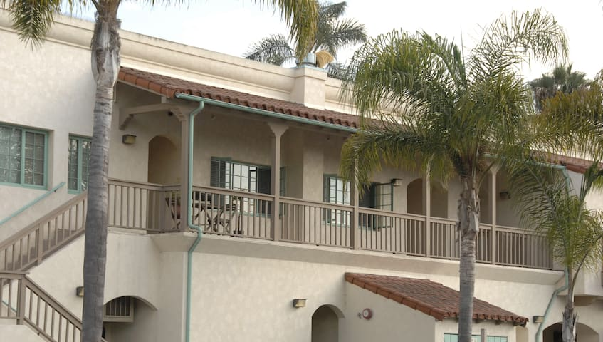 Newly Remodeled & Near Beach - Carpinteria - Pis