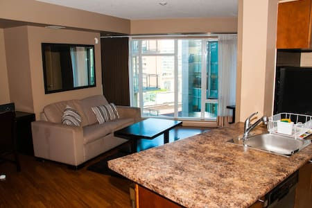 This location is perfect for people who want to enjoy downtown Toronto, located at the most central intersection. Most of the attractions just minutes away from your doorstep! Also relevant for those seeking accommodation by St. Michael's hospital.