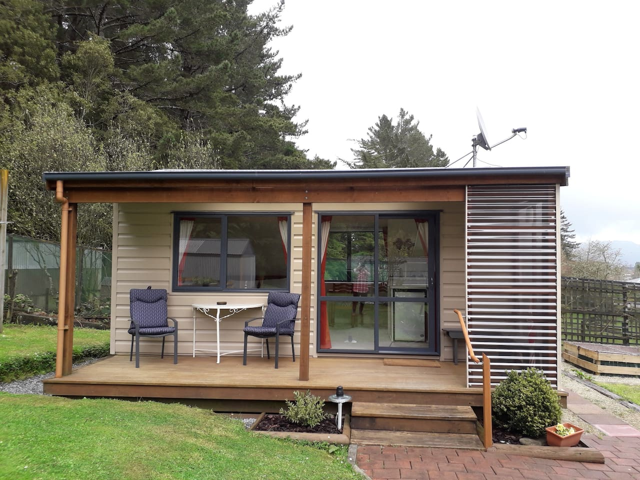 The Hutt  Your place to stay