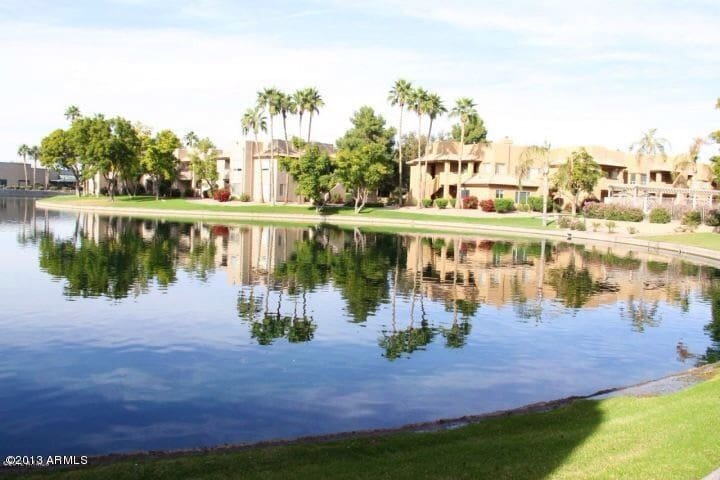 Truly relaxing lake view condo! - Chandler - Flat