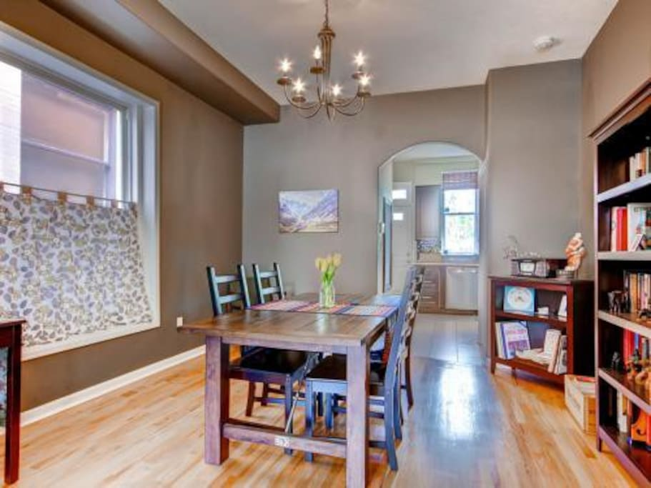 easy open dining room and living room