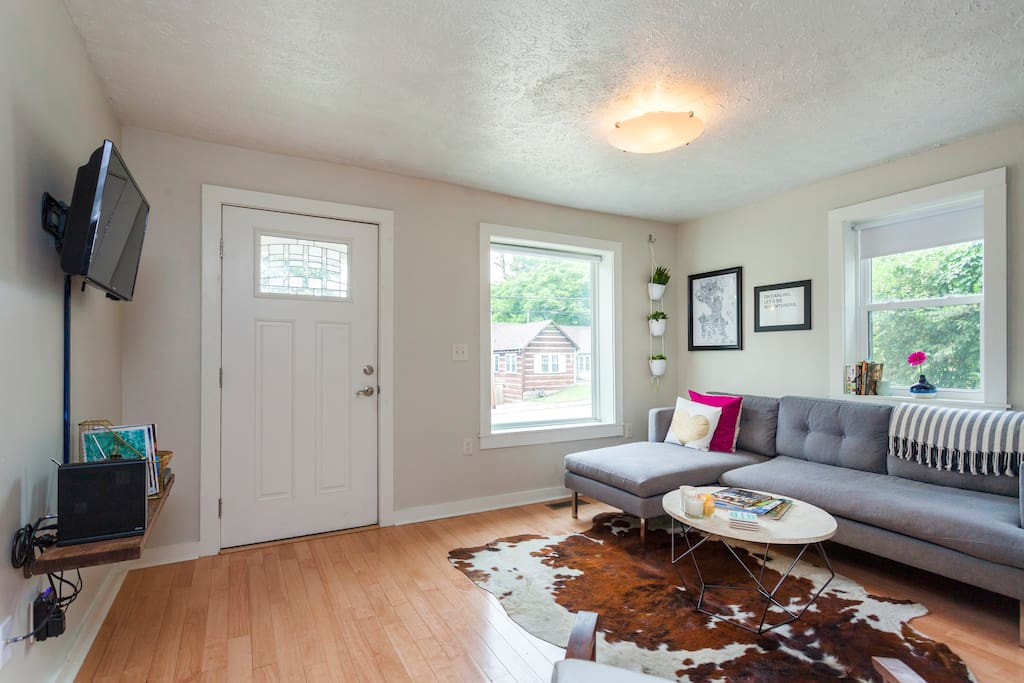 Chic Mid Century East Nash Cottage Houses For Rent In