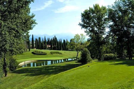 Appartamento con giardino nel Garda Golf - Soiano del lago