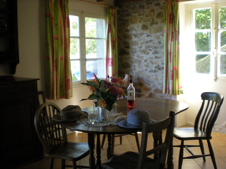 Enjoy your French meals in our airy kitchen