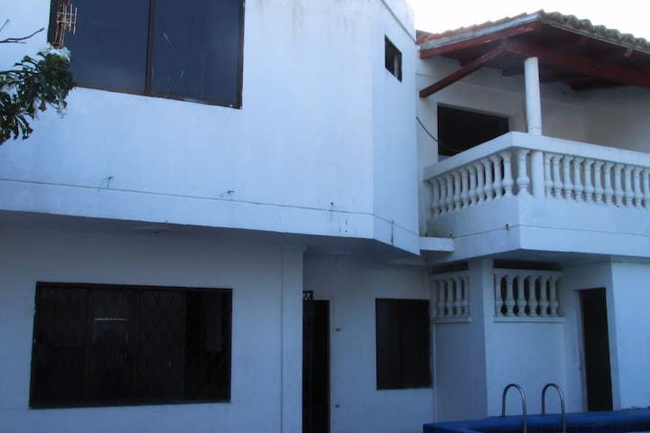 MOYMA HOUSE - Room for rent - La Boquilla - Hus