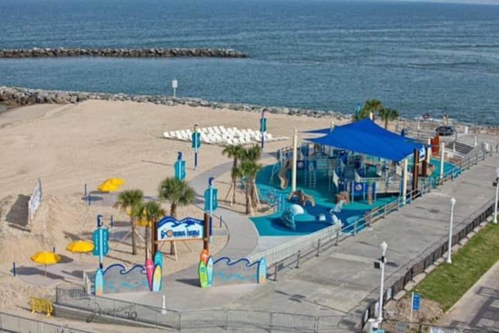 2 Bdrm Ocean Key Virginia Beach  June 11- 18 2021