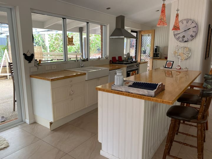 """Beach House in awesome Aroona: 3 Beds"