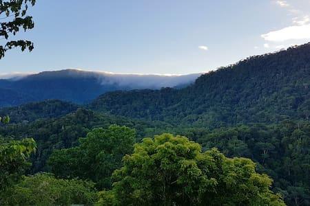 Casa merovingia — Stunning views, peaceful living