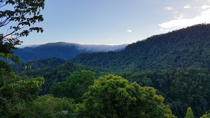 Casa merovingia — panoramic views, peaceful living
