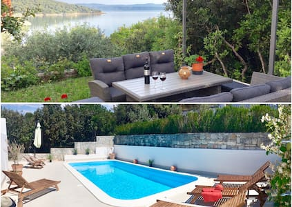 Villa Sol - with private pool and 30m from the sea