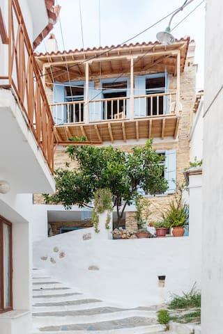 ARTIST STONE HOUSE SKOPELOS - Skopelos - Hus