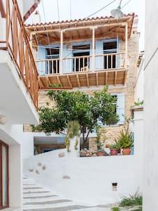 ARTIST STONE HOUSE SKOPELOS - Skopelos - Ház