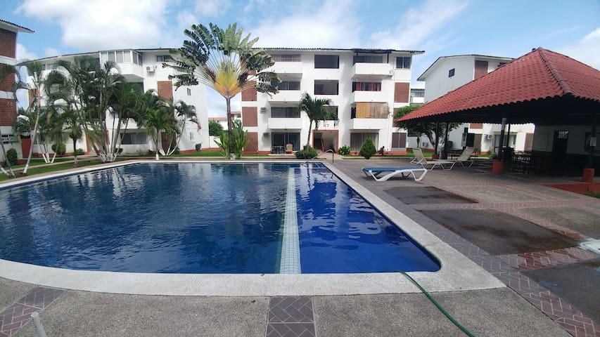 Nice condo A/C, security and Pool
