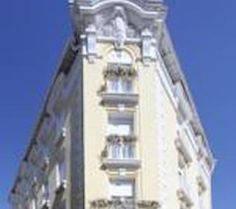 Chambre 27 m2 - Lourdes