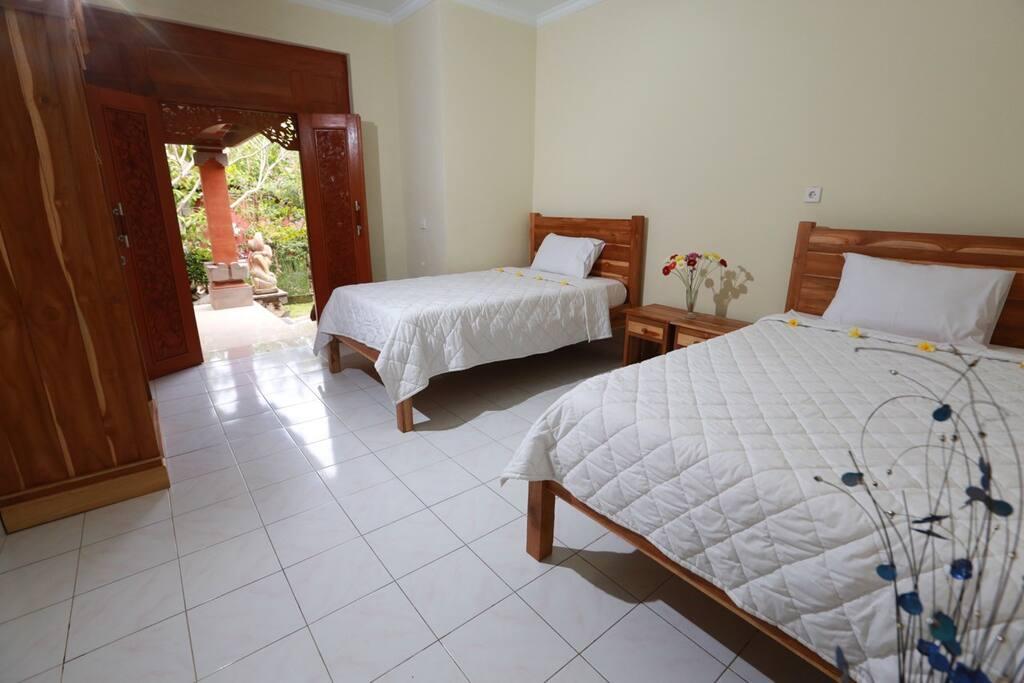 R sidence satya house avec ac pr s d 39 un centre de yoga for Chambre yoga