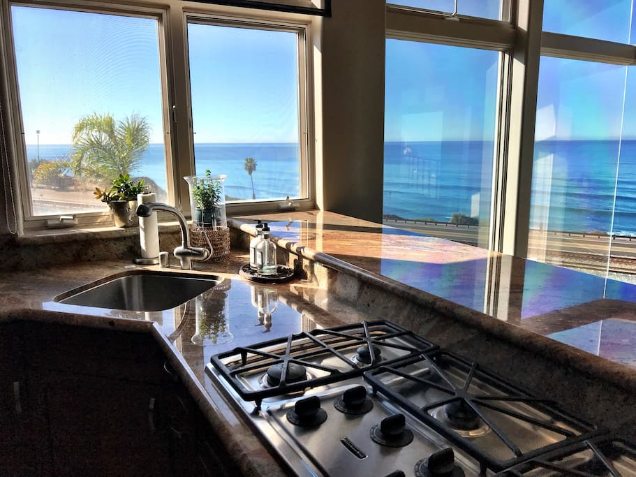 Corner sink and 5-Burner cooktop to make anytime in the kitchen feel like you are on top of the WORLD....(I meant WATER.)