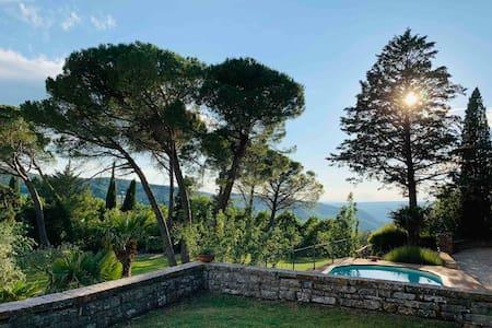 Villa in heart of Umbrian Countryside Todi Orvieto