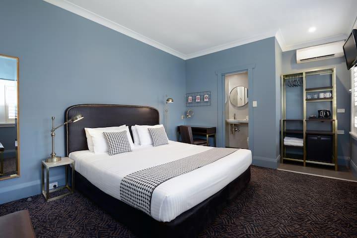 The Maisonette - Magnolia Room