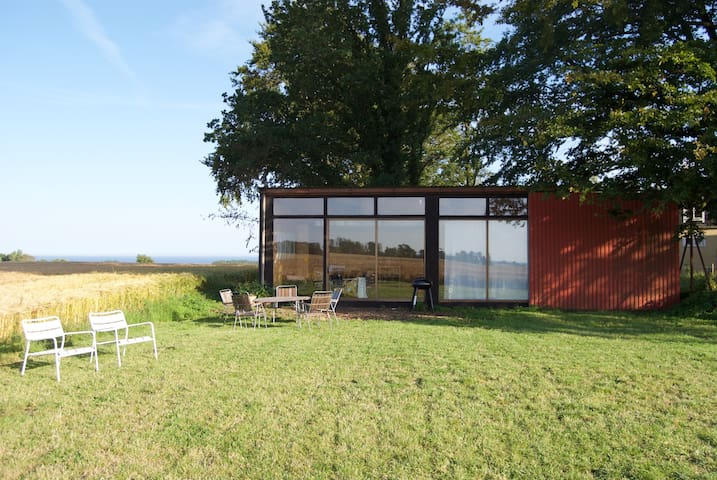 Artist lodge close to the sea - Simrishamn