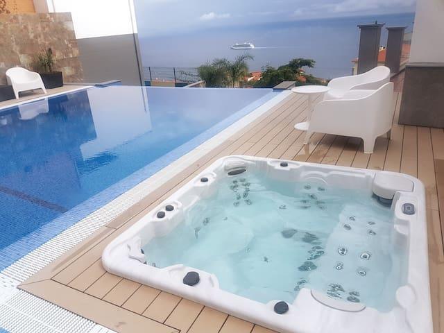 Villa Islands View-Studio C, with Jacuzzi and Pool