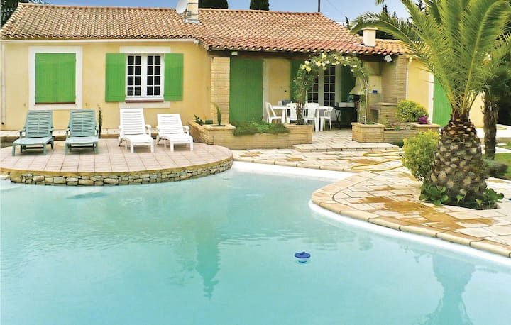 Amazing home in Boulbon with WiFi and 3 Bedrooms