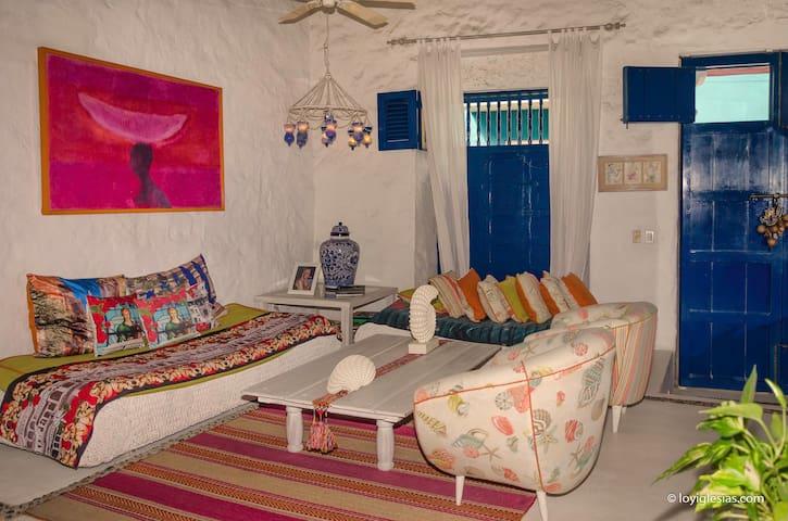 Casa Zahar