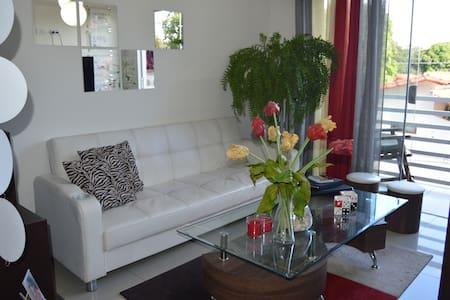 Luxury Apartment, located nearby Business Center - Santa Cruz de la Sierra - Lejlighed