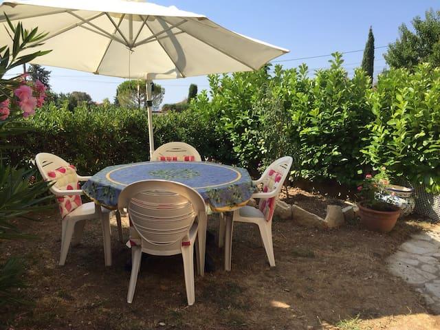 Nice and comfy villa with terrasse-garden - Cabris - Casa