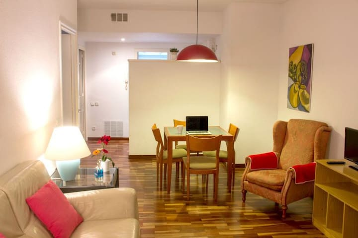 Sweet BCN Three bedroom Apartment