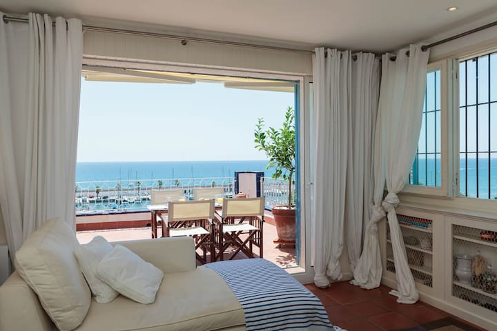 Sunny beach house with sea views - Sitges - Casa