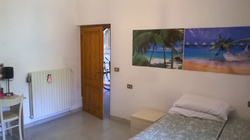 Double Room Empoli near station - Empoli - House