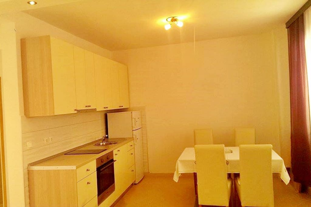 Kitchen and table for 4 persons