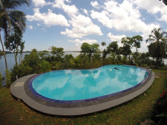 Whispering Waters - Balapitiya - Vila