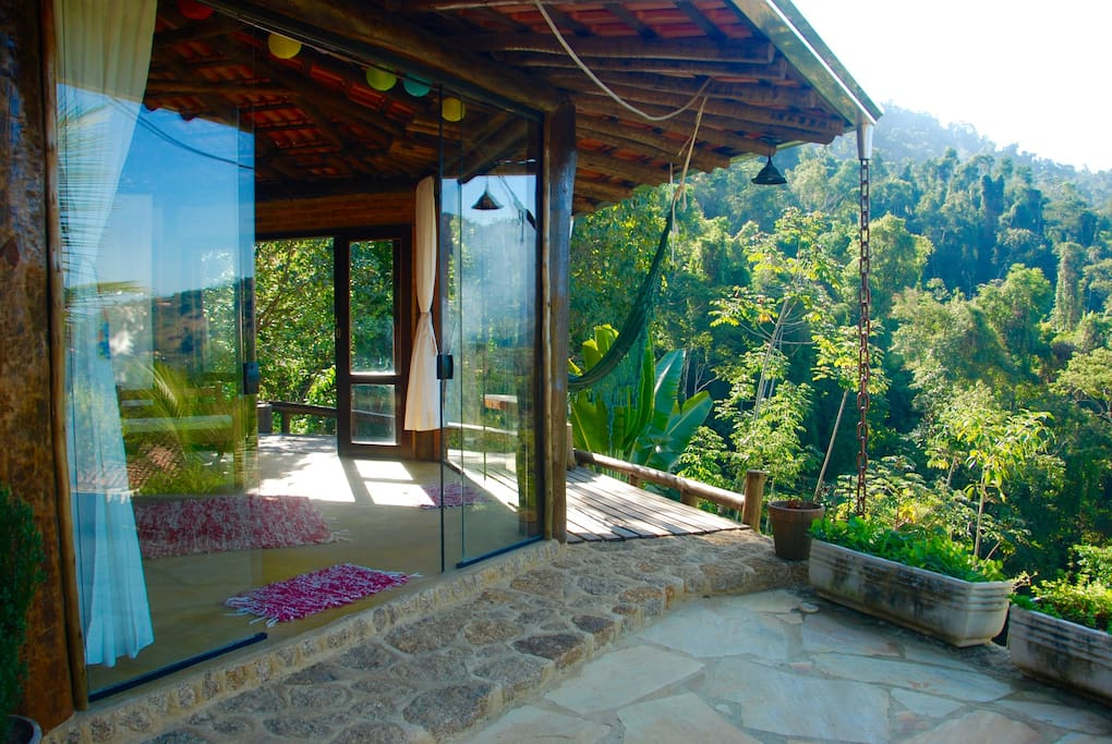 Chalé Glass Bungalow is a big room witch 40 square meters, 6 glass doors, big balcony and an amazing view.